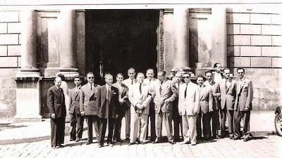 1951 - Delante del Palau de la Generalitat