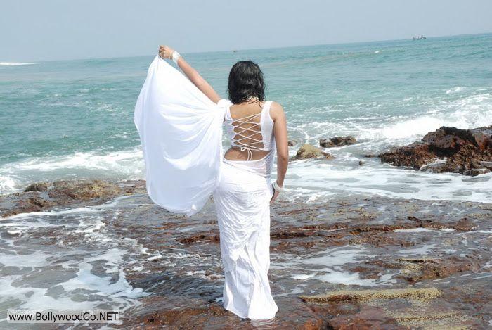 Madhavi+Latha+(10)