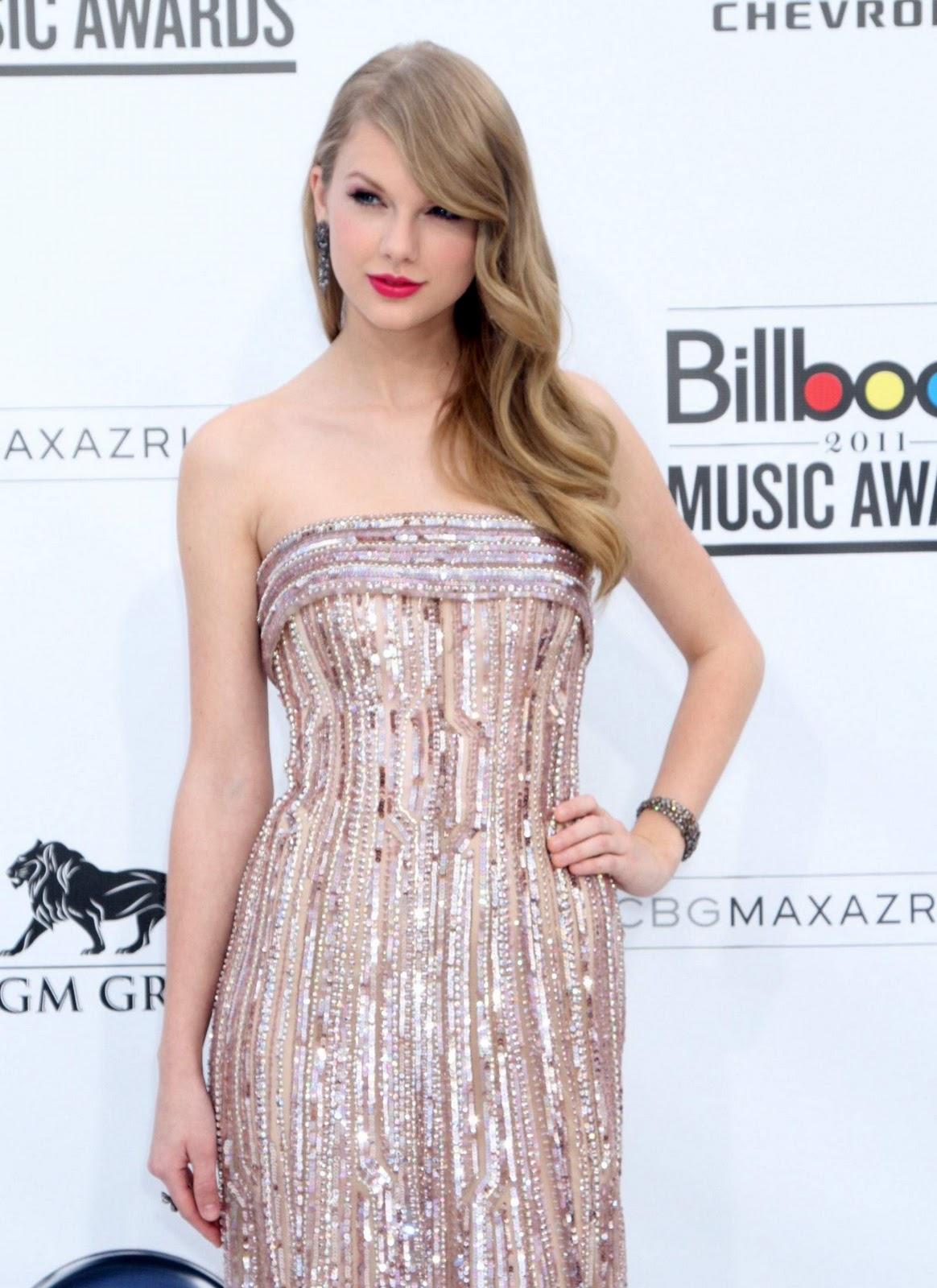 http://4.bp.blogspot.com/-6UJdG4P9Lo0/Tp-thB7TYYI/AAAAAAAABQQ/pE8pzP7BFpE/s1600/Hot-Taylor-Swift-10.jpg