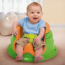 gambar bayi belajar duduk
