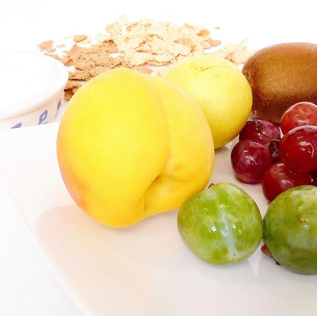 Frutas, yogurt y cereales