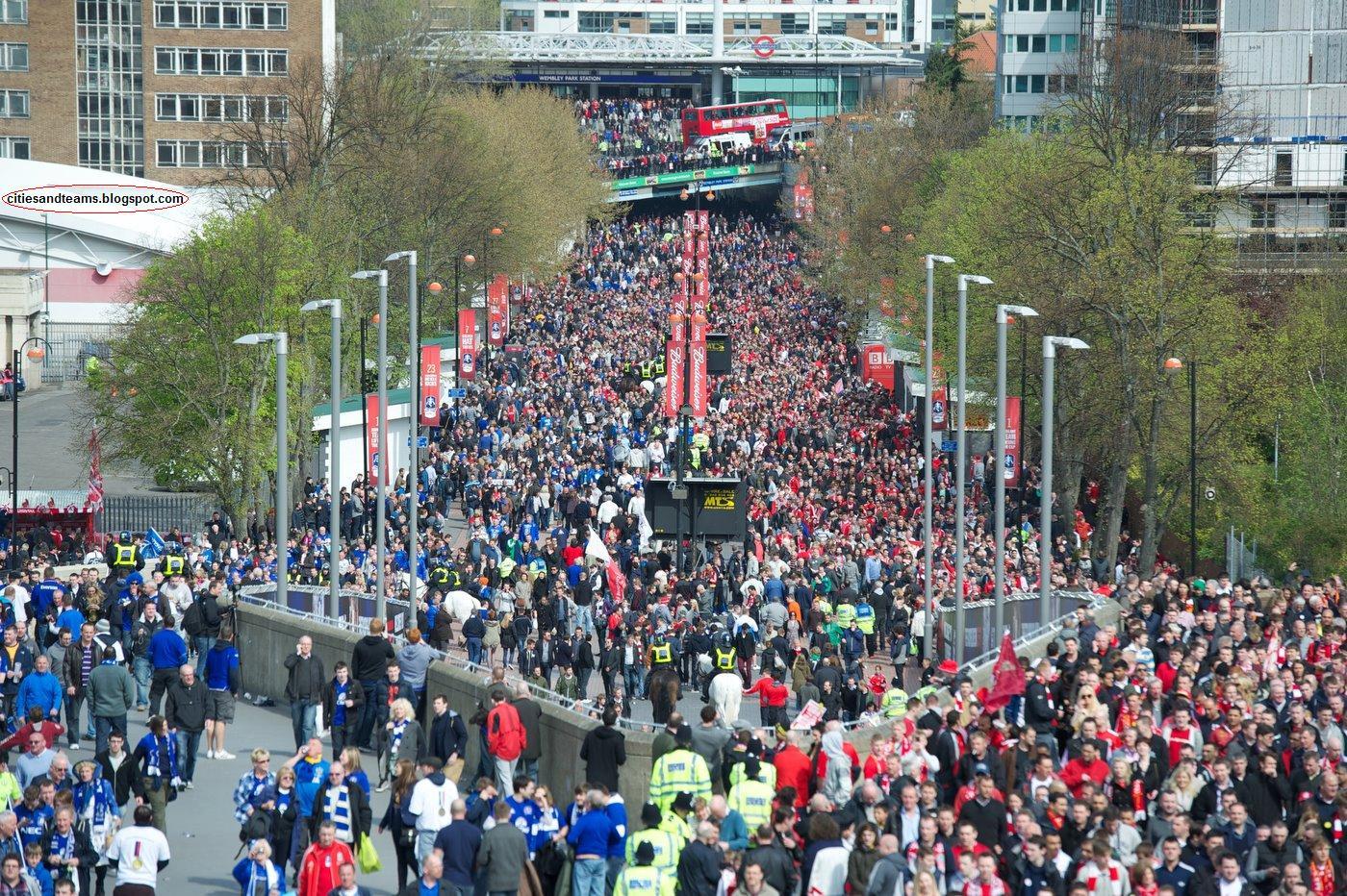 http://4.bp.blogspot.com/-6UYsIpnUeAA/T4luwPGZNwI/AAAAAAAAF_o/8GcePIEIj2s/s1600/Wembley_Way_Liverpool_Everton_Derby_England_English_United_Kingdom_Fa_Cup_Wallpaper_Desktop_citiesandteams.blogspot.com.jpg