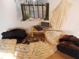 TE KOOP : wolwitte lange shawl!