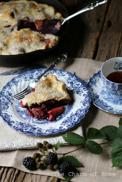Blackberry Skillet Pie: The Charm of Home
