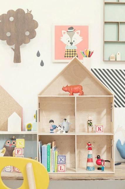 Кукольный домик своими руками с дерева