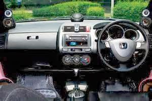 mengatur perangkat stereo untuk mobil Anda
