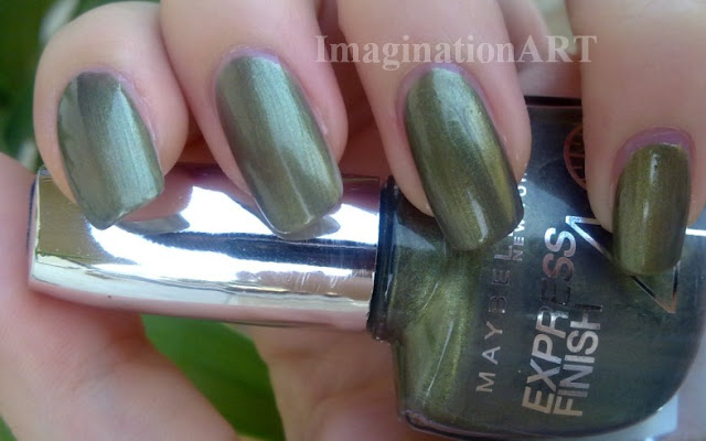 Maybelline_smalto_nail_polish_laquer_New_York_850_Vert_Kaki