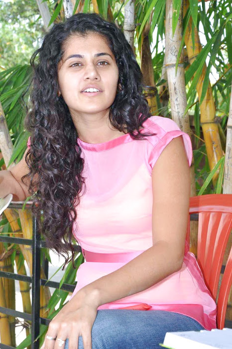 tapsee new looking - mogudu interview hot photoshoot