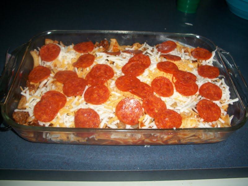 Pams Party & Practical Tips: Pepperoni Pizza Casserole