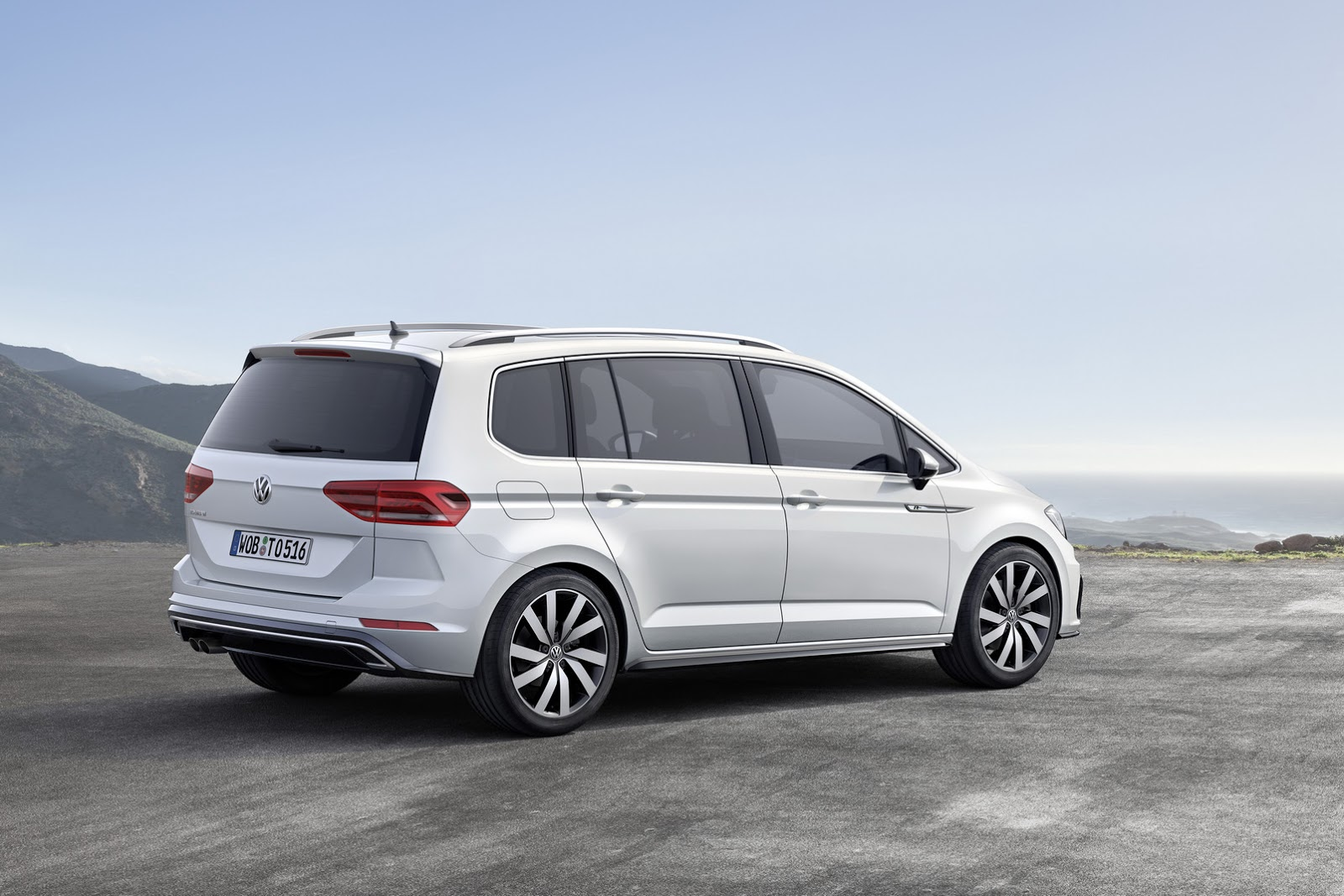 it s official all new vw touran based on mqb platform w. Black Bedroom Furniture Sets. Home Design Ideas