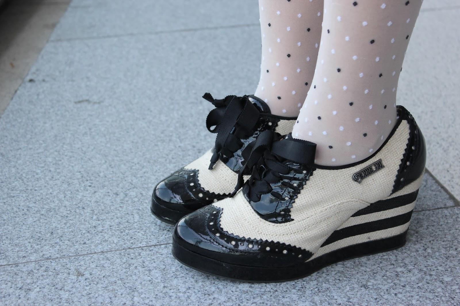 shoes, anna sui hush puppies, anna sui x hushpuppies, hushpuppies, polkadot stocking