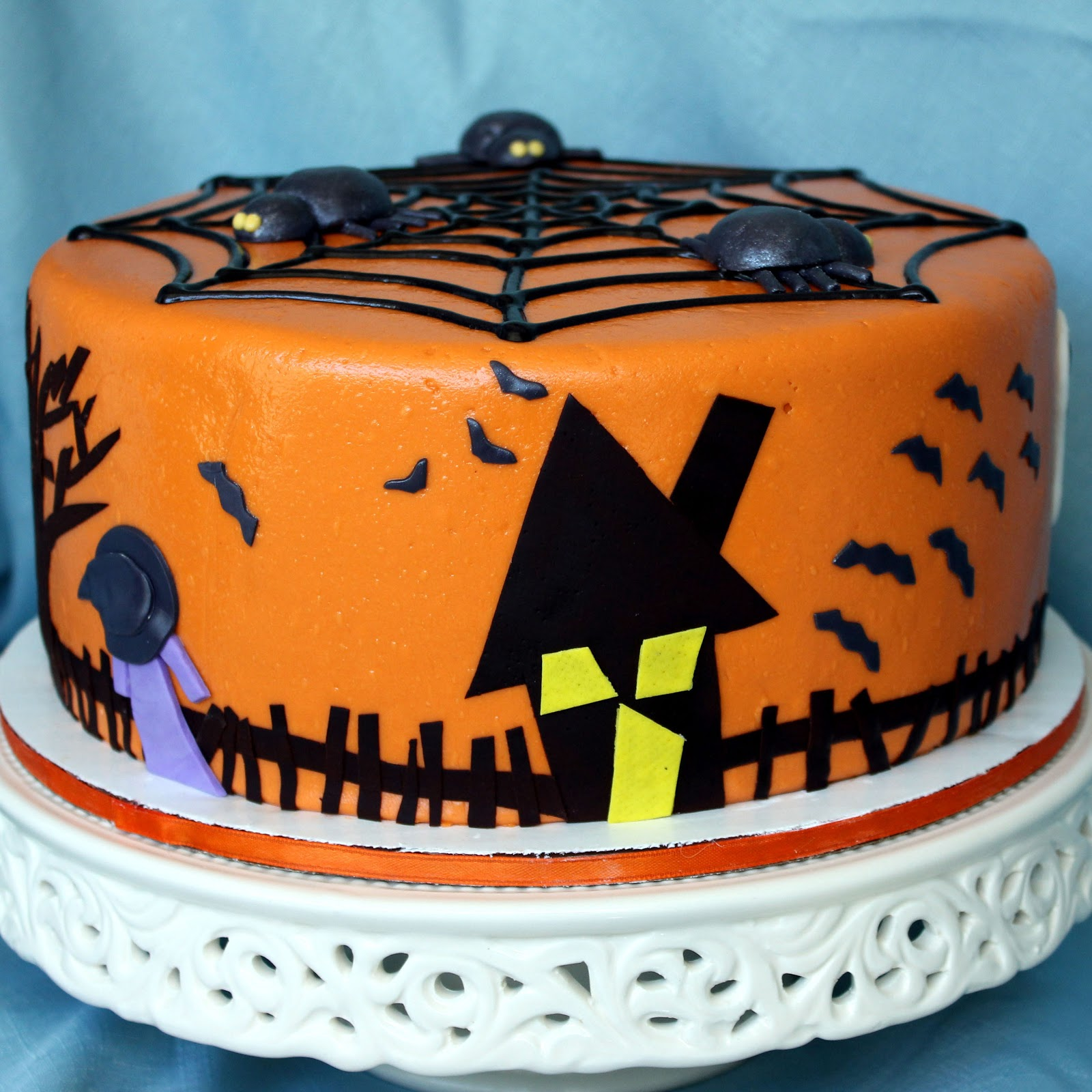 Cake Ideas For Halloween : Leelabean Cakes: A Frankenstorm Halloween