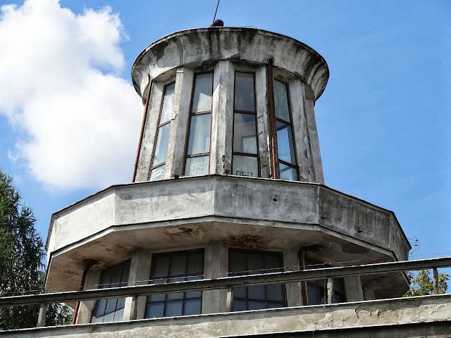 Wieża kontroli lotów lotniska EPBC Babice