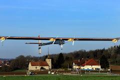 Avião solar realiza primeiro voo de teste do ano na Suíça  -  06 de abril de 2011 • 14h55