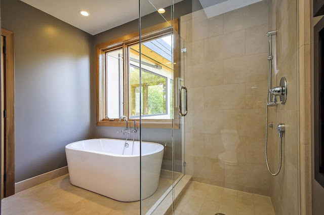 Shower and bathtub in the Contemporary Style Home in Burlingame