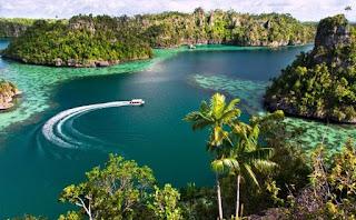 Raja-Ampat-Papua.jpg