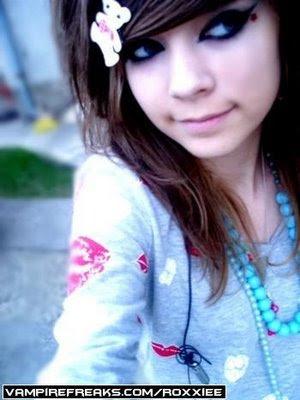 http://4.bp.blogspot.com/-6WG2yJJy_Ms/TfIBymJdtXI/AAAAAAAAAjQ/Nlot8JwkcoY/s1600/emo+girl+hair.jpg