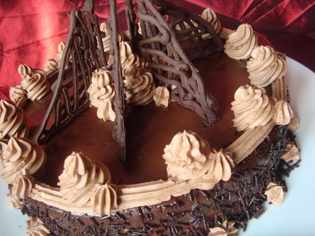 http://www.caietulcuretete.com/2011/01/tort-amandina.html