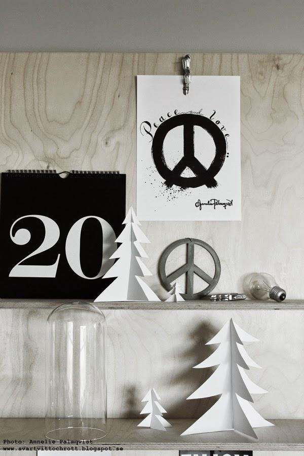 tavla peace, peacemärket, peacemärke, tavlor, poster, posters, konsttryck, annelie palmqvist, plywoodhylla diy, diy granar av papper, pappersgran, pappersgranar, vitt, svarta och vita, artprints, prints, evighetskalender, kalender med stora siffror