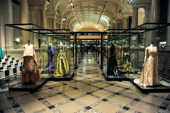 PARIS EXPO HAUTE COUTURE dans Evenements Paris-Haute-Couture-Hotel-de-Ville-Paris-Galliera-981