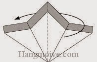 Bước 5: Gấp đôi tờ giấy về phía mặt sau.