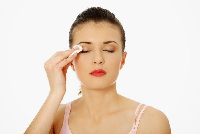 coconut oil eye make-up remover