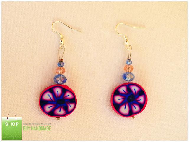 Σκουλαρίκια με λουλούδια σε μπλε, λευκό, φούξια, ροζ χρωματισμούς από fimo και κρυσταλλάκια σε ροζ και μπλε αποχρώσεις!