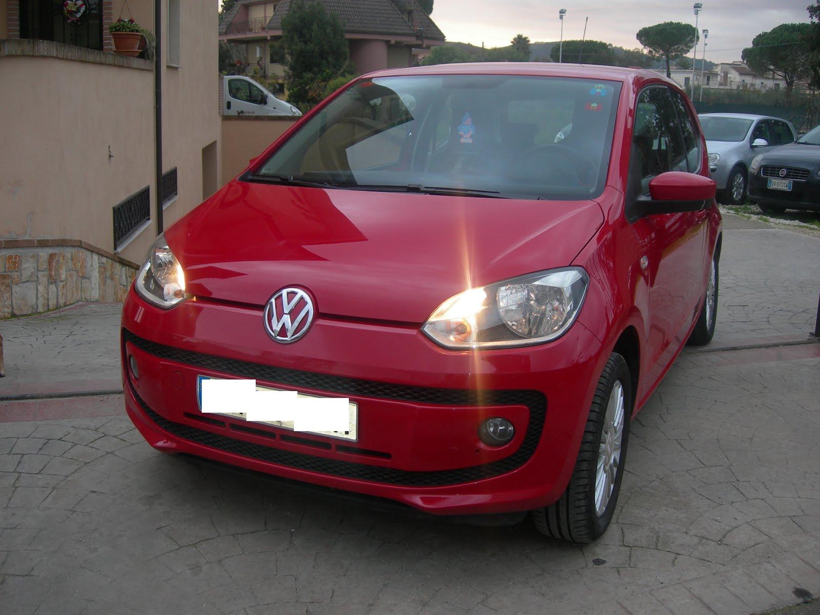 Vw Up! 1.0 75 CV Anno 2012 acc: full optional con Navigatore e cerchi in lega Prezzo 6.900,00 euro