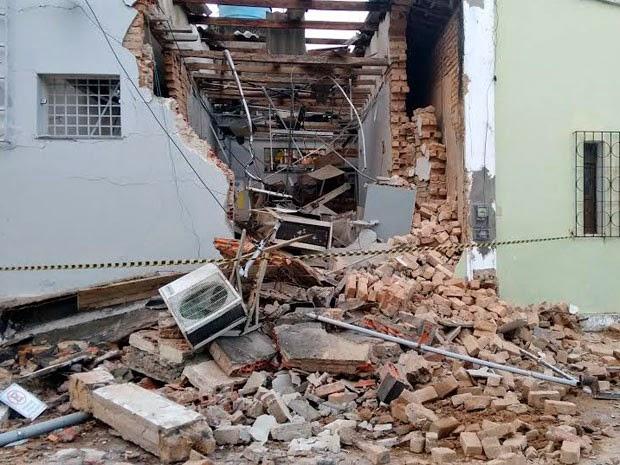 Parede de banco é explodida por suspeitos em Teodoro Sampaio (Foto: Genebaldo Santos/Berimbau Notícias)
