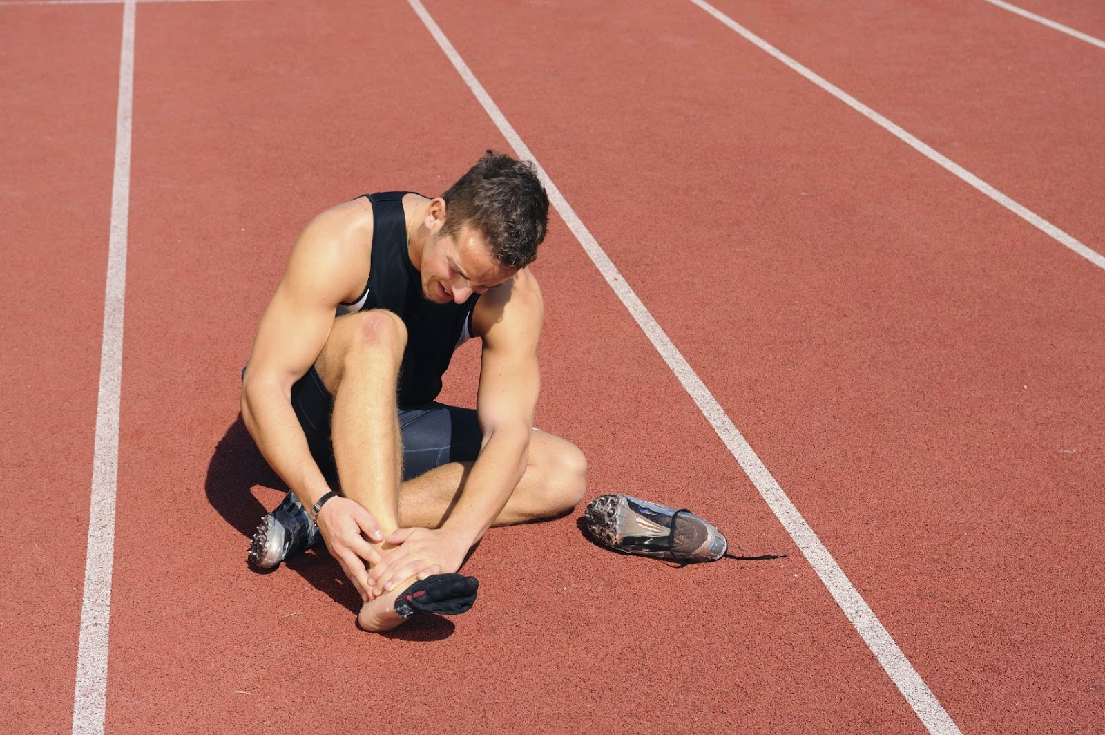 how to deal with sports injury