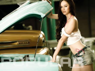 Aura Kasih Popular 2011 - Wallpapers Photo Sexy