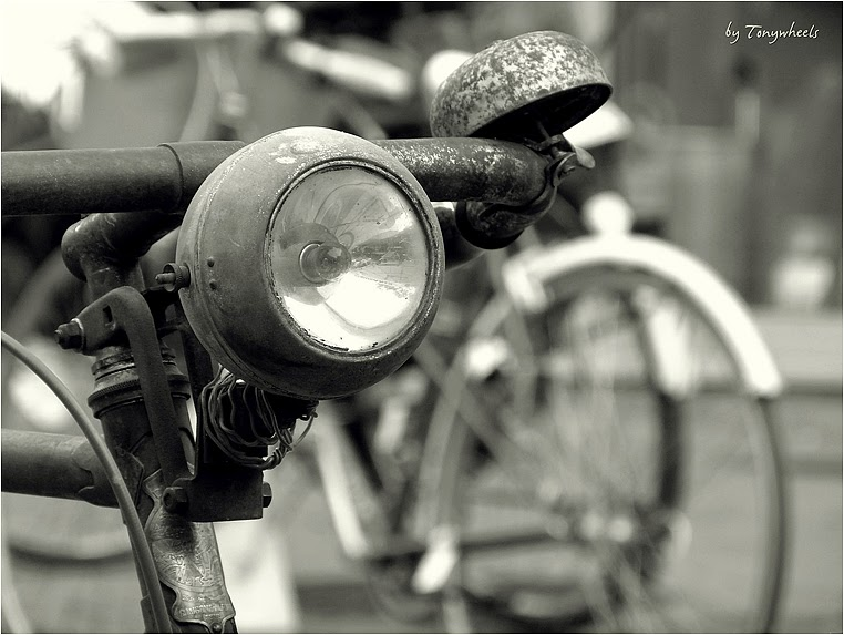 Compact Camera, Best Photo of the Day in Emphoka by Tonywheels, Panasonic DMC-FZ150, http://flic.kr/p/kGMSd8