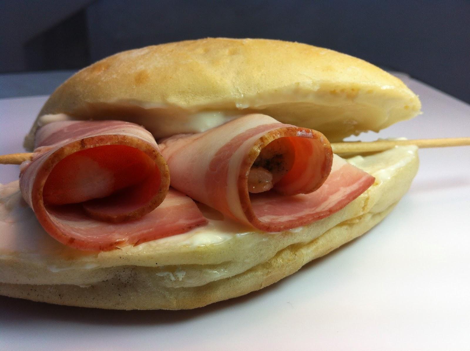 Montapincho de rollito de langostinos y bacon