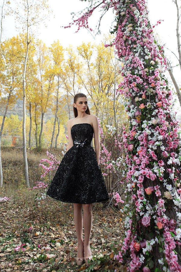 Llamativos vestidos modernos de temporada