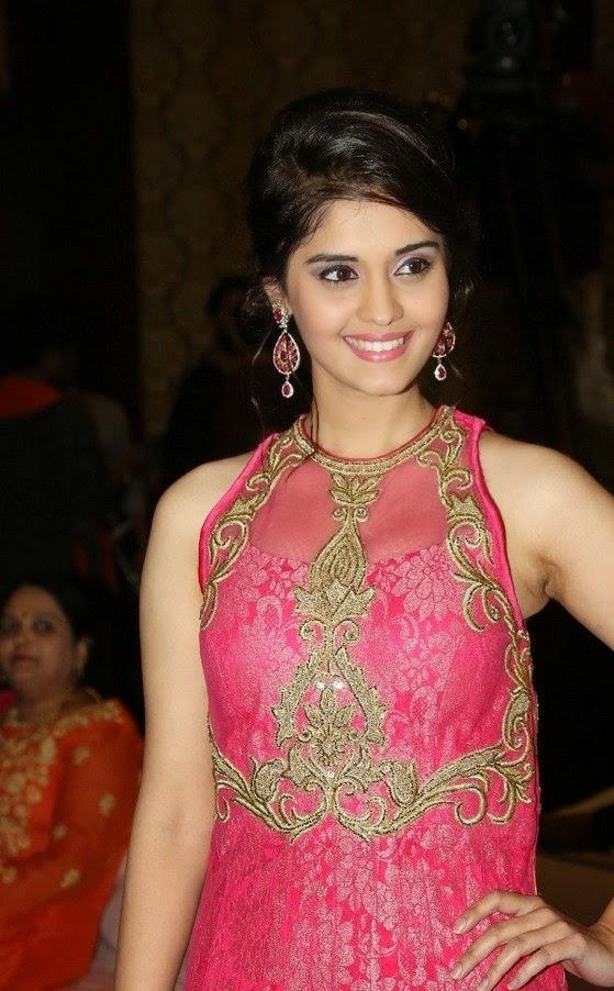 Surabhi Actress In pink Dress New Photos