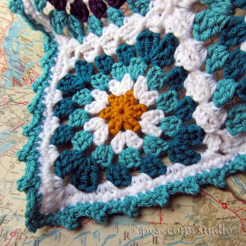 peaceofpi studio: Crochet Granny Square Flower Blanket