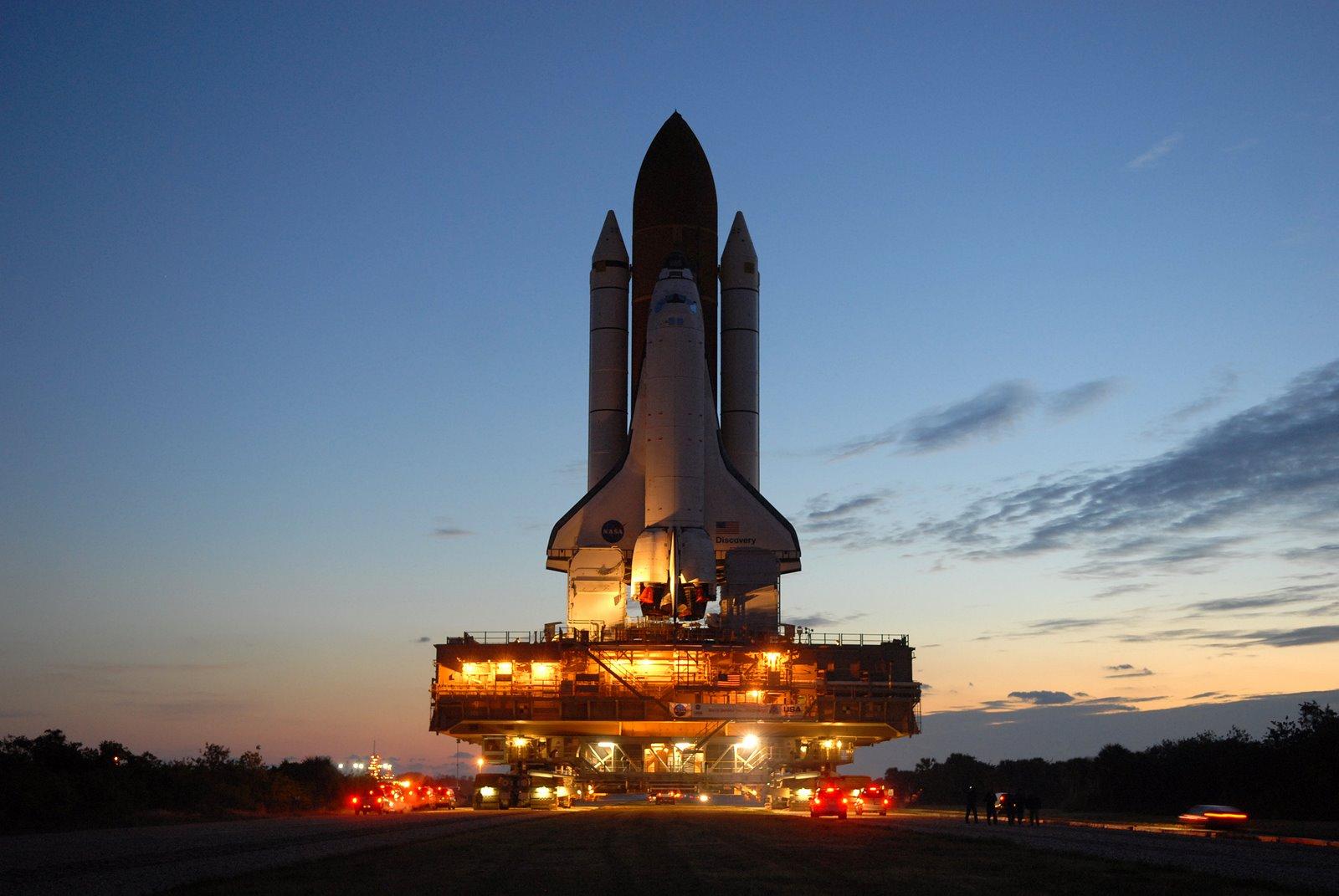 http://4.bp.blogspot.com/-6XLYbhePeQY/TungnjIBqBI/AAAAAAAAHFc/cR5JEO_BszQ/s1600/discovery_space_shuttle.jpg