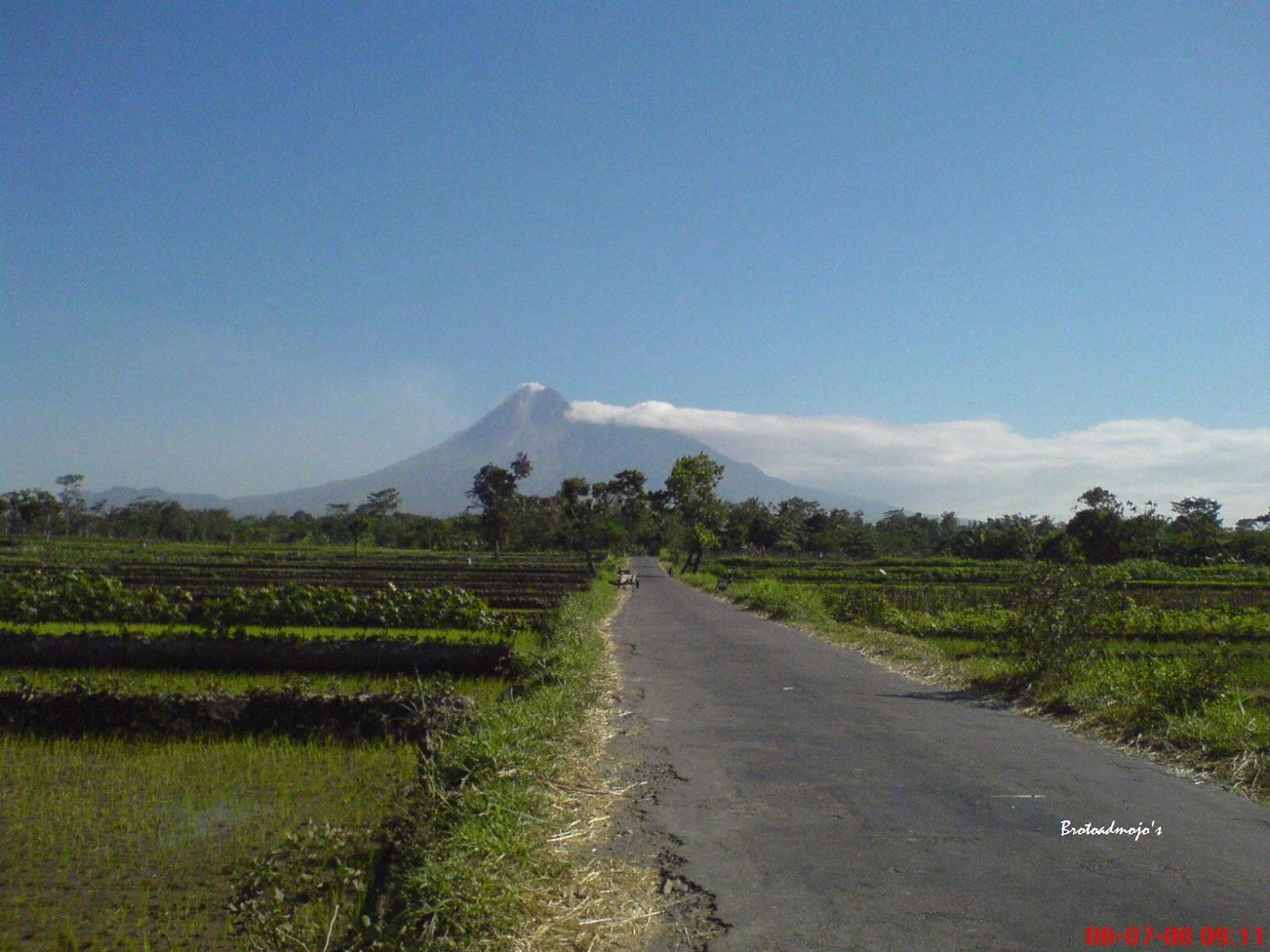 Karakteristik Gunung Merapi - merapi.bgl.esdm.go.id