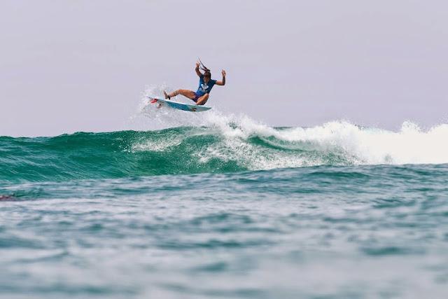 14 Roxy Pro Gold Coast 2015 Silvana Lima Foto WSL Kelly Cestari