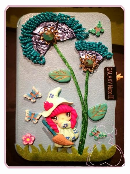 Funda de móvil modelo Brujita de Sylvia Lopez Morant