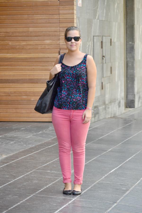 look_outfit_pantalon_rosa_blusa_corazones_bailarinas_piel_bolso_calaveras_ebay_nudelolablog_05