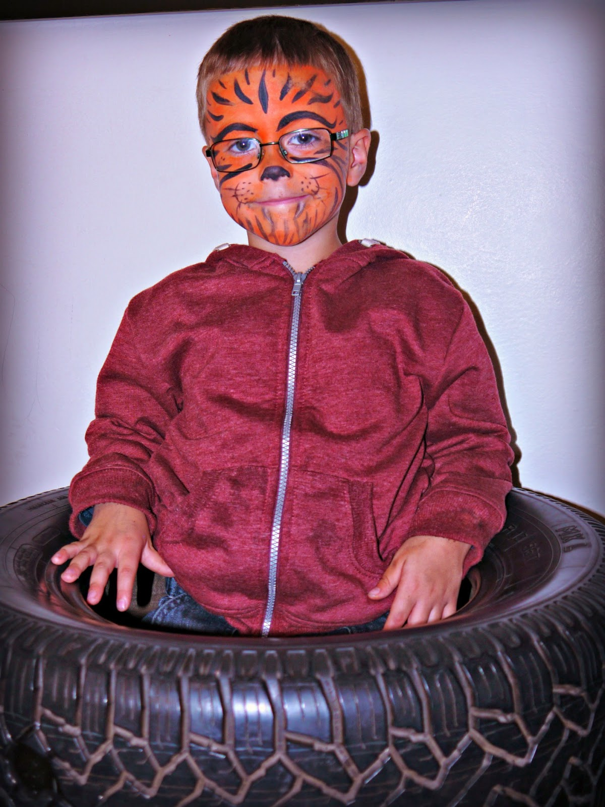 Tyres, tiger face paint