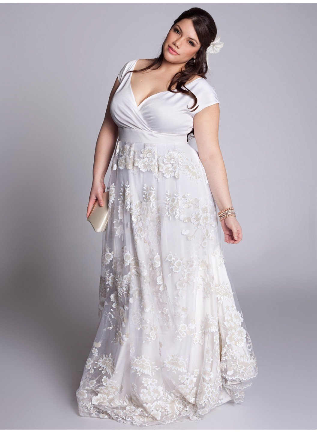 The stylista wedding dresses for any body shape the for Busty brides wedding dresses