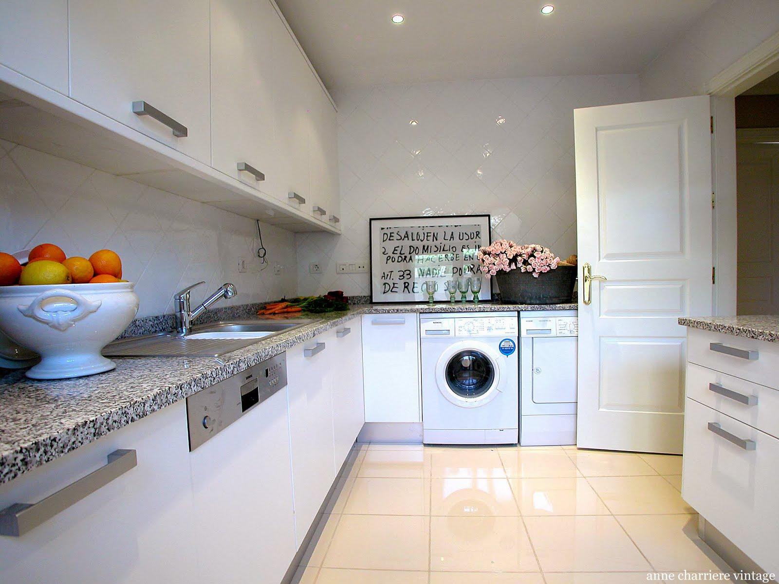 Muebles cocina pintados 20170823164332 for Azulejos y suelos para cocinas