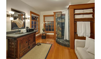 http://www.trulia.com/property/3014851138-356-Galer-St-Seattle-WA-98109