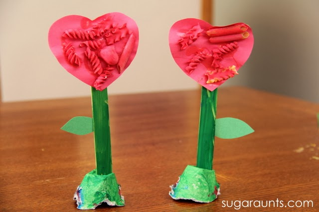 Fine Motor Flower craft - Sugar Aunts on Alldonemonkey.com