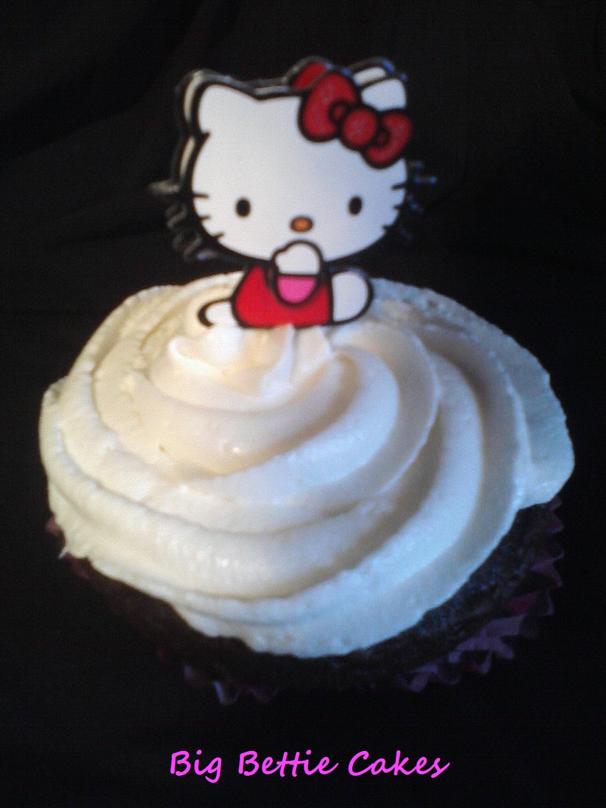 Cake Decorating Classes Near Pomona Ca : Big Bettie cakes: White Hello Kitty Cupcakes