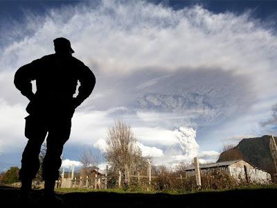 volcan puyehue erupcionando