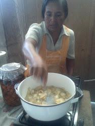 Durante la preparación de la mermelada de nopal