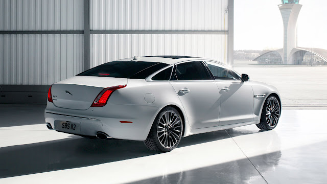 Jaguar XJ Ultimate backside
